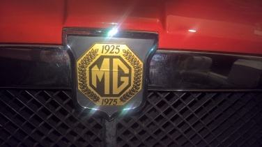 MGB Gold boot and bumper badges front